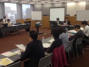 避難サポートひょうごが大阪で発表する様子
